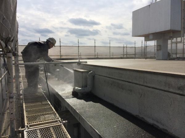 アパートの外壁補修・塗装・屋上防水工事の始まりです(沖縄県西原町にて)