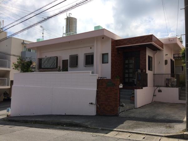 『 ピンク色で爽やかな家へ 』G様邸 外壁補修・外壁塗装・屋上遮熱防水工事(沖縄県西原町)