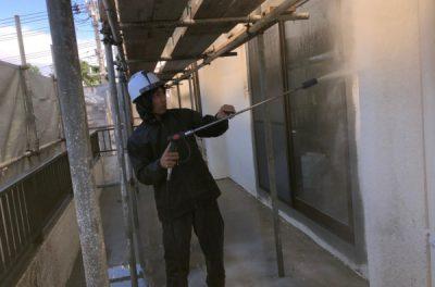 外壁洗浄、外壁補修中です。(なぜ?外壁洗浄を行うの?)