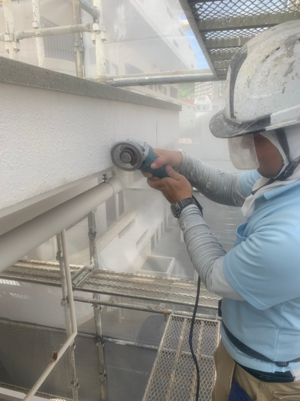 ~外壁塗装リフォーム~  外壁補修中です。(沖縄県与那原町)