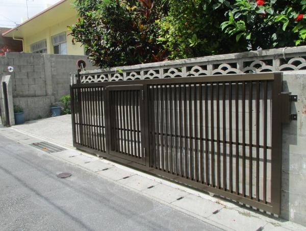 車庫入り口引き戸取替え工事(アルミ製品)