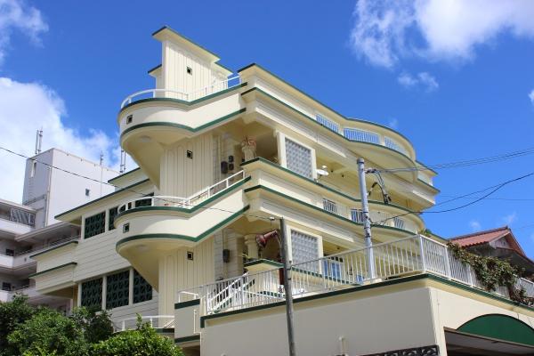 グリーン色で美しく!外壁塗装完了です(●^o^●)沖縄県浦添市にて
