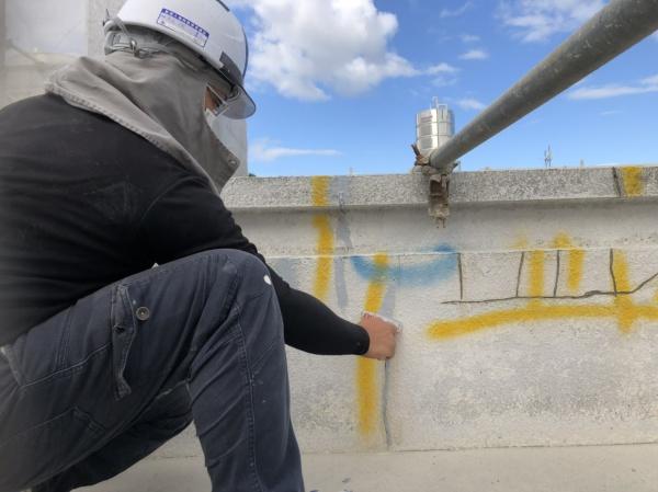 西原町にて好評作業中です!~外壁塗装工事~