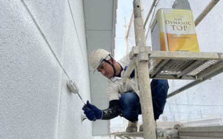 ペンキ日和☼外壁塗装進行中(沖縄県南部にて)
