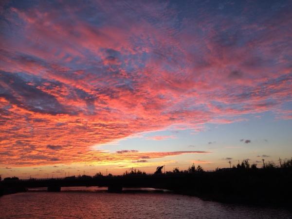 朝の空雲が絶景でした。沖縄県西原町東崎