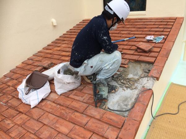 赤レンガ屋根の雨漏れ防水工事(沖縄県西原町)
