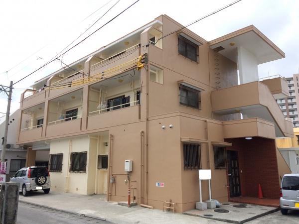 『 三色使いで美しく 』アパートの外壁補修・外壁塗装・屋上遮熱防水工事(沖縄県西原町)