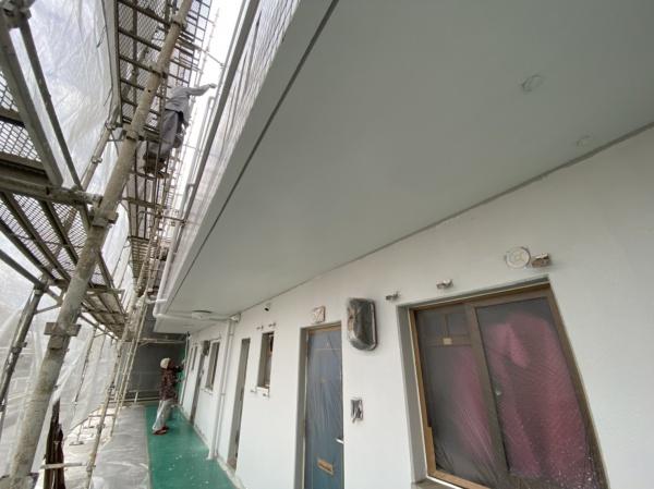 アパート塗り替え作業中✨西原町にて