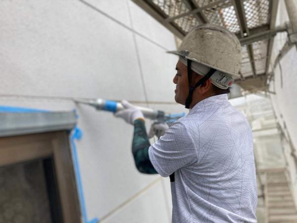 外壁塗装工事、進行中です(^^)